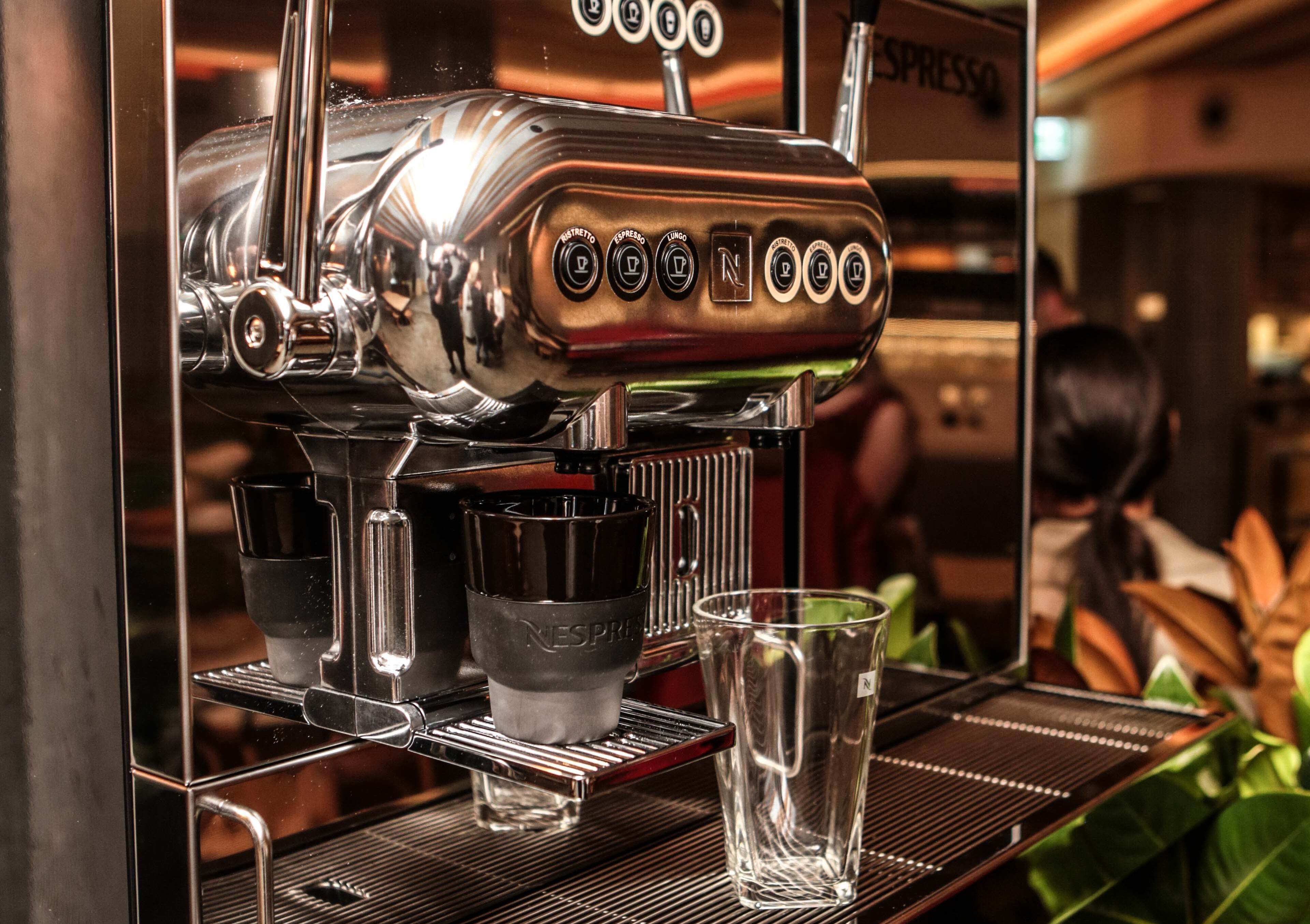 nespresso unveils the aguila 220 drinks world. Black Bedroom Furniture Sets. Home Design Ideas